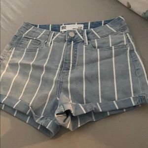 High waisted jean shorts with stripes
